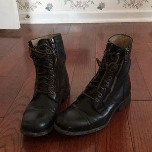 Frye zip up black badass boots. 7 1/2